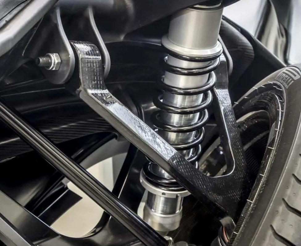 Как проверить подвеску автомобиля своими руками