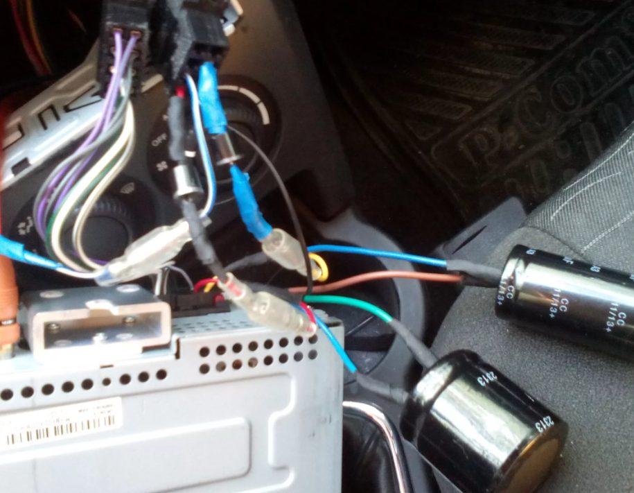 Почему отключается магнитола в автомобиле