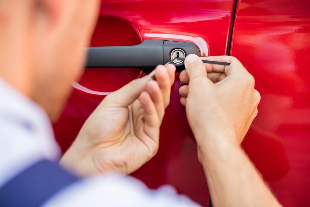 Ремонт авто: какие услуги слесарь будет оказывать автовладельцам?