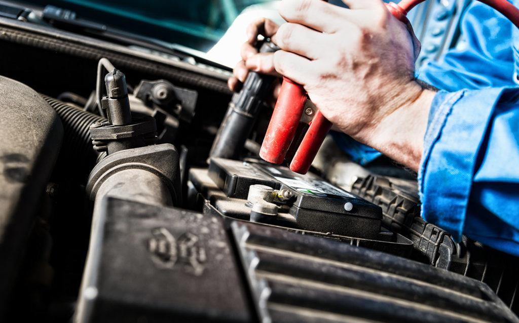 Как заменить автомобильный аккумулятор