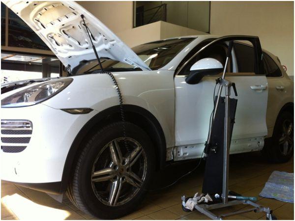 Кузовной ремонт без покраски с заводом инструментов внутрь авто