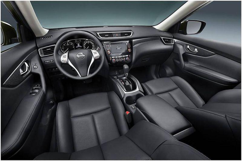 Nissan X-Trail 2015 тест-драйв и отзывы: на фото черный кожанный салон