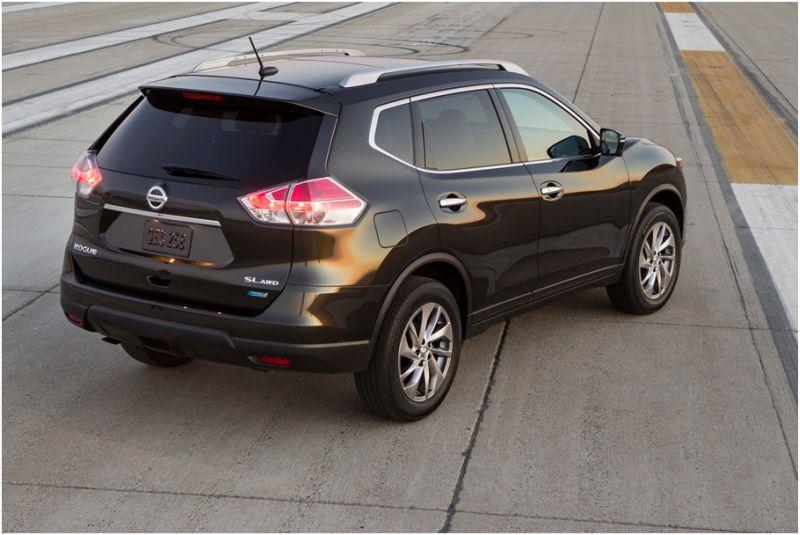 Nissan X-Trail 2015: тест-драйв на полигоне
