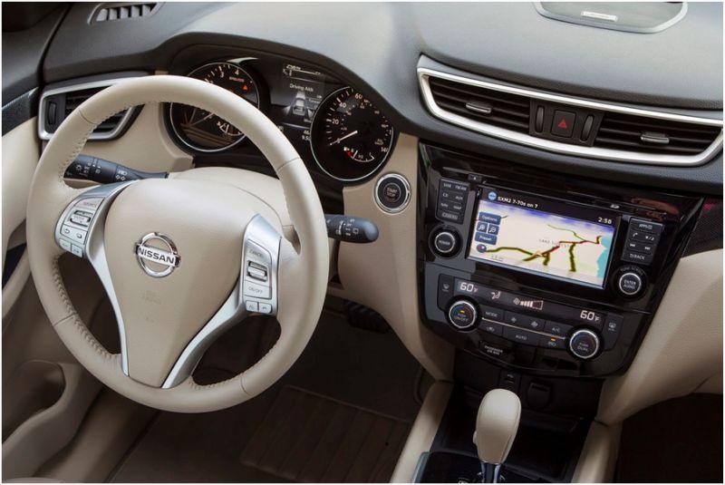 Салон Nissan X-Trail 2015 из бежевой кожи
