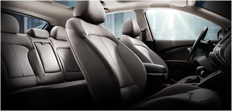 Сравнение Kia Sportage и Hyundai ix35: салон Хёндаи