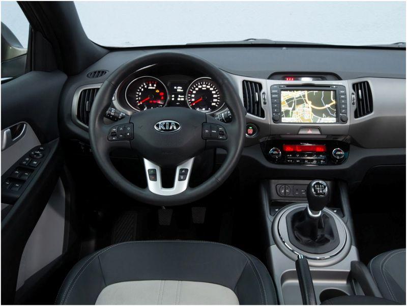 Сравнение Kia Sportage и Hyundai ix35: салон Киа