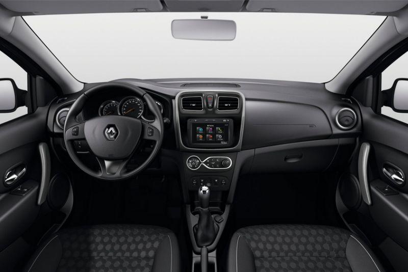 На фото салон Renault Logan рестайлинговой версии