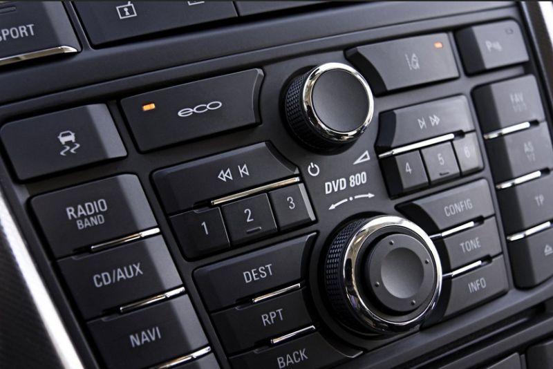 Приборная панель нового авто Opel Astra