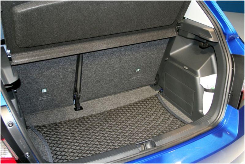 Тест-драйв Skoda Fabia - фото багажного отсека