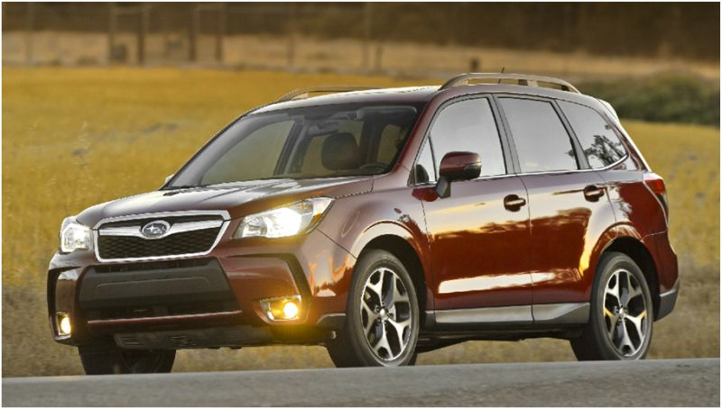 Сравнение Subaru Forester и Honda CR-V: на фото первое авто