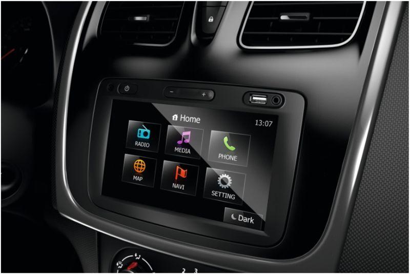 Renault Logan 2015: на фото дисплей бортового компьютера