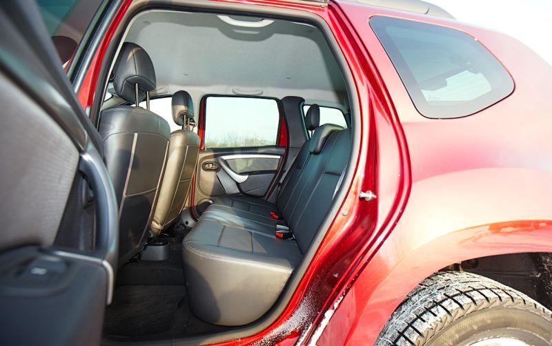 Renault Duster - фото второго просторного ряда сиденьев