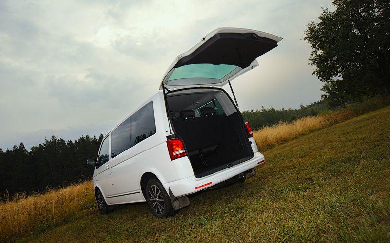 Volkswagen Transporter T5: фото багажного отсека