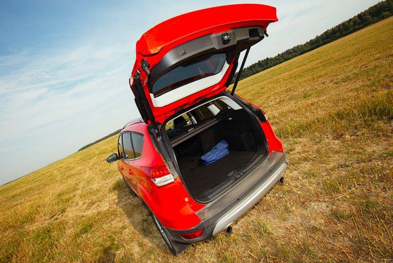 Ford Kuga 2 фото открытой крышки багажника