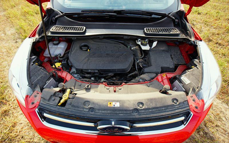 Ford Kuga 2 с двигателем Ecoboost - фото
