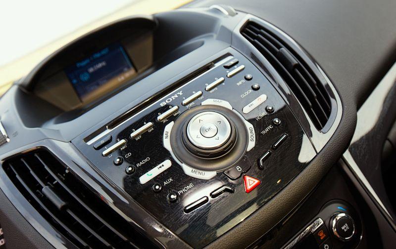 Ford Kuga 2: мультимедийная система от Sony