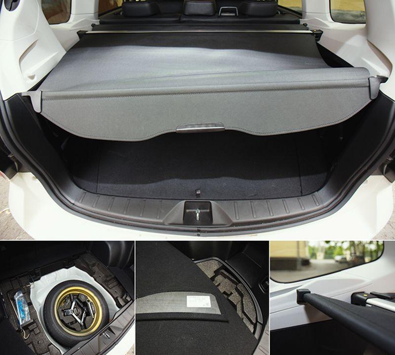 Subaru Forester XT: на фото шторка в багажнике