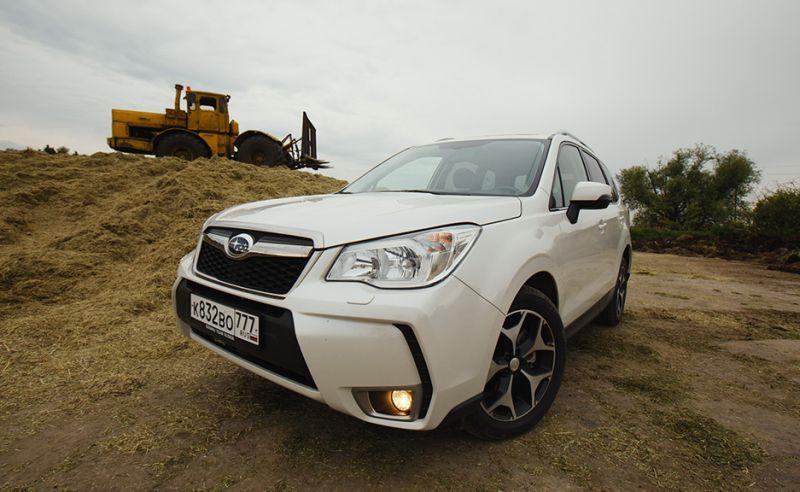 Subaru Forester XT : фото со стороны капота