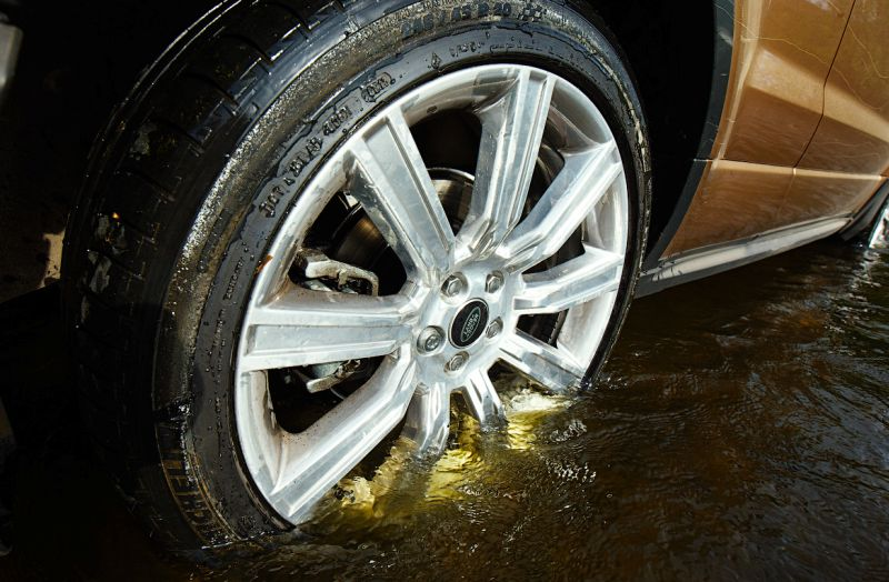 Range Rover Evoque: на фото 20-дюймовые колеса