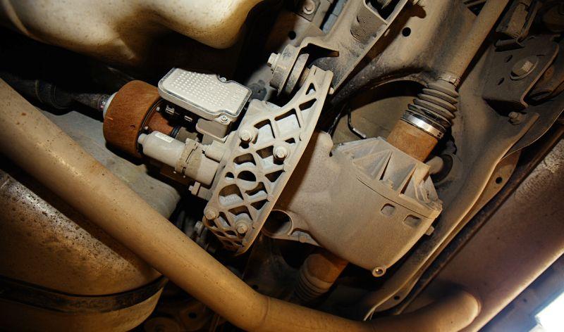 Range Rover Evoque: на фото задняя ось с муфтой Халдекс пятого поколения