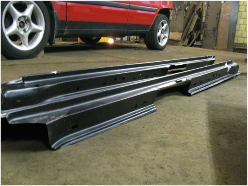 Кузовной ремонт порогов - на фото новые съёмные части