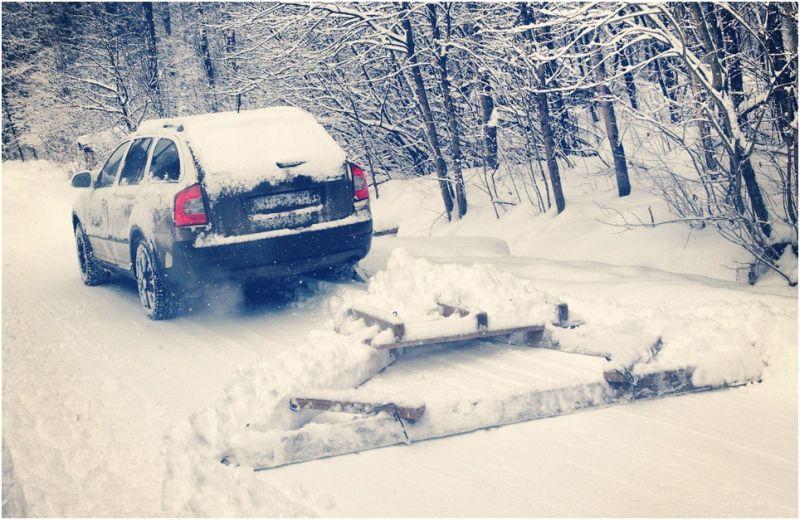 Шкода Октавия Скаут с самодельным снегоочистителем